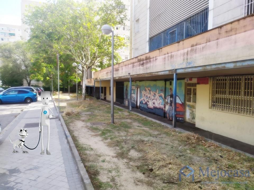 Local con posibilidad de cambio de uso en la zona de Arcos.